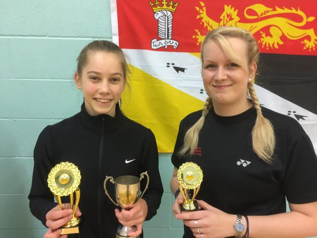 Womens Singles Runner Up / Winner - Serena Verney & Amy Hayhoe