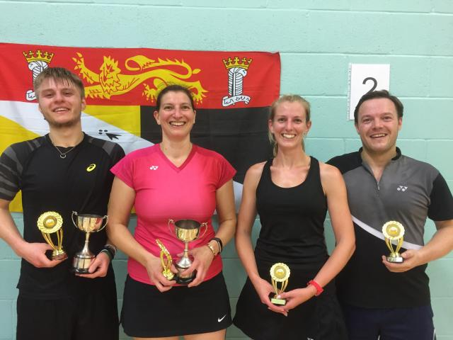 Mixed Doubles Winners / Runners Up - Jack Taylor, Louise Culyer & Helen Newstead, Ian Murphy